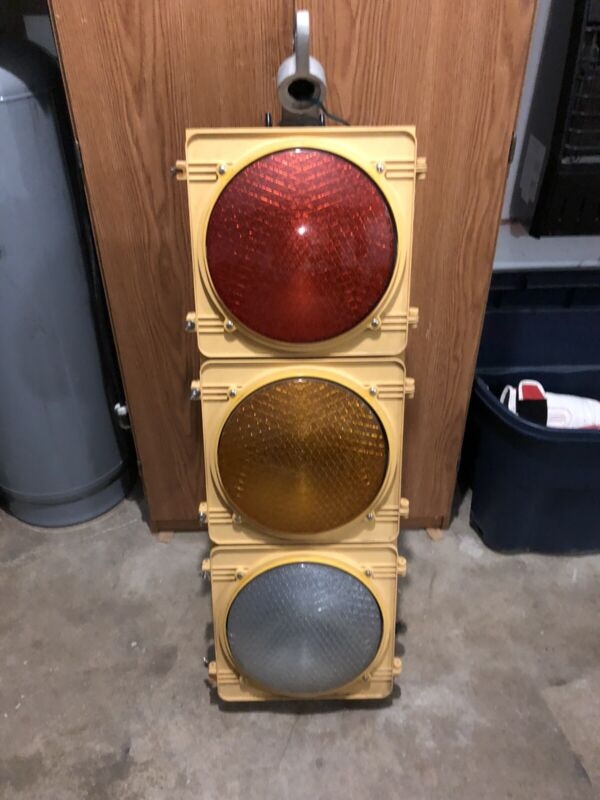 Real Traffic Signal Light Red Yellow Green wHngr Wired Ready Nice