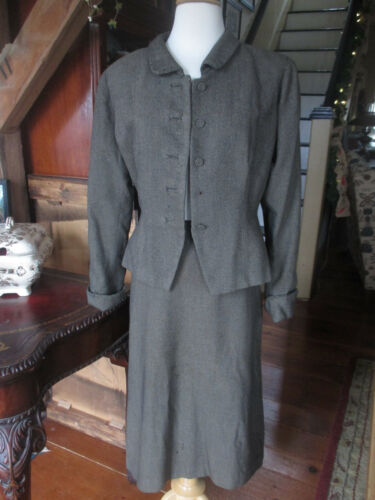 No tag gray black wool tweed vintage 1940s button long sleeve skirt jacket suit