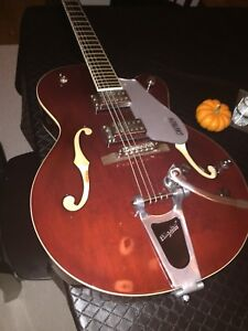 Gretsch Electromatic (Blood Red) Semi Hollow