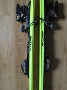 Rossignol ski with Markers bending