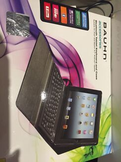Tablet/iPad Bluetooth keyboard and case