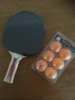 Donic Ping-Pong / Table Tennis bat and 6 pack balls