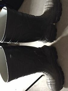 Size 11 Insulated Cofra Boots