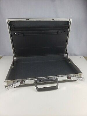 Vintage SAMSONITE Black Slim Hard Shell BRIEFCASE Retro Mad Men