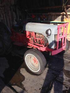 Un vieux tracteur
