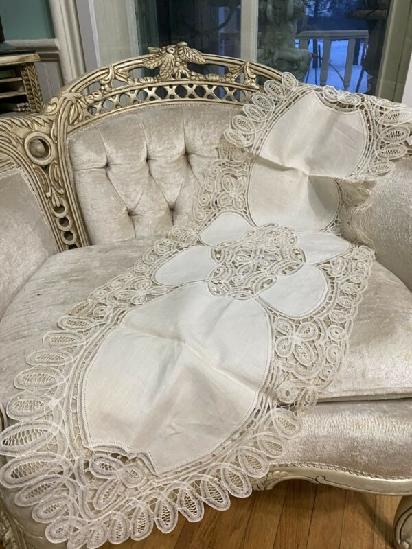 Beautiful Antique Fine Ornate Linen Needle Lace Runner Cream