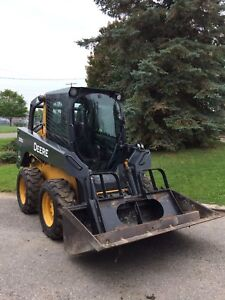 Skid Steer in excellent condition