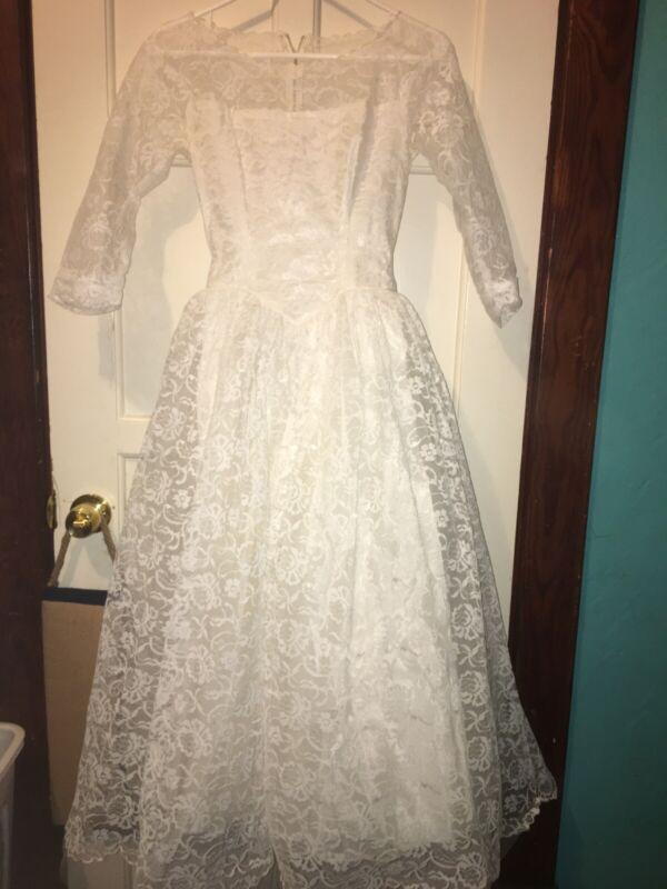 Vintage Handmade White Lace Beautiful Wedding Dress Size S/M