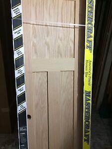 """36"""" x 80"""" Oak 3 panel Shaker solid core pre-hung interior door"""