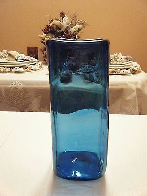 Blue Square Vasen (BEAUTIFUL BLUE SQUARE VASE 8.5 HIGH WITH 3.25 OPENING)
