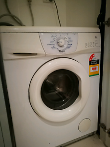 Whirlpool front load washing machine washer Docklands Melbourne City Preview