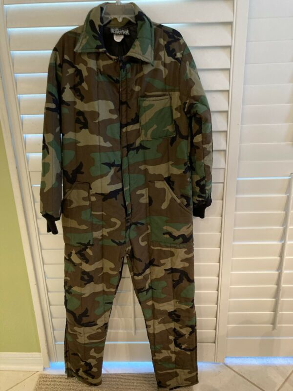 Camouflage Men's Large Zip front Insulated Hunting Fishing Sport Overalls