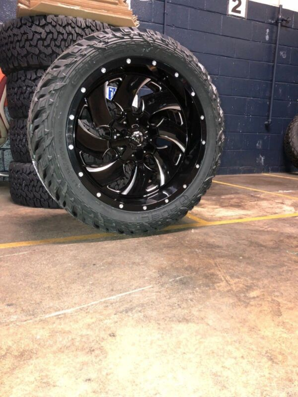 """22x10 D574 Fuel Cleaver Wheel And Tire Package 33"""" Fuel Mt 5x5.5 Dodge Ram 1500"""