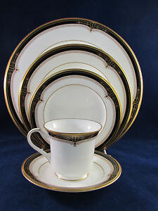 Noritake China GOLD AND SABLE 5 pc Place Setting (s)