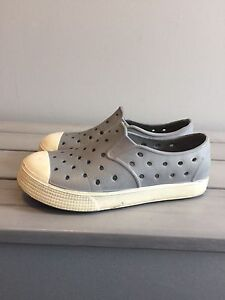 Kids summer shoes (size 10)
