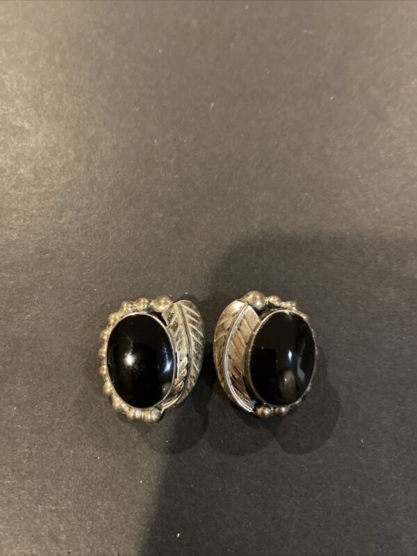 Vintage Mexico Taxco Sterling Silver Onyx Heavy Clip Earrings