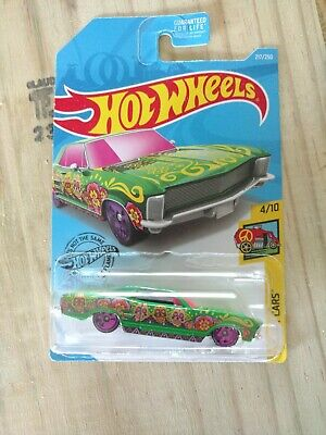 Hot Wheels - Lot of 2 - OLDS 442 W-30 & '64 Buick Riviera - Art Cars