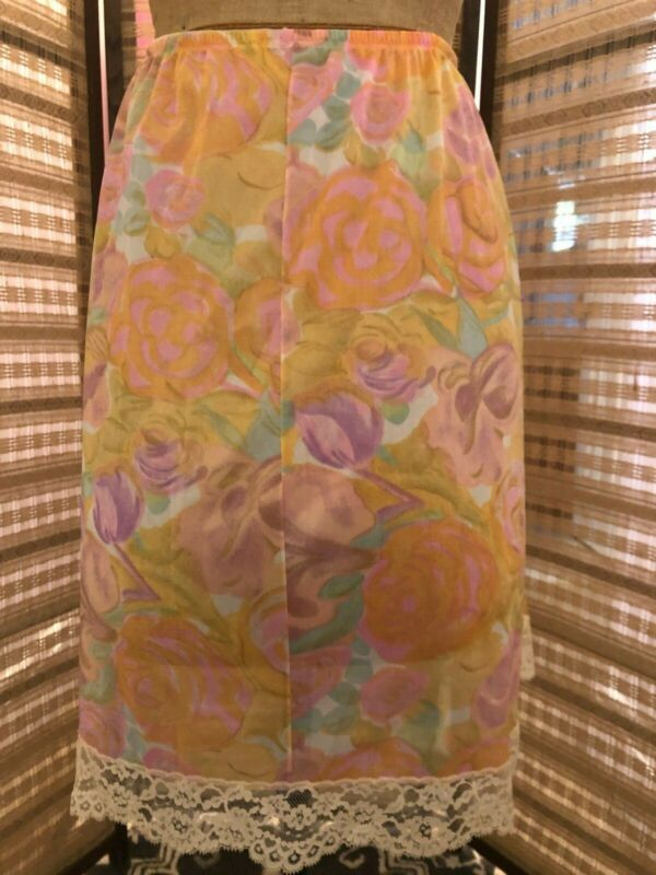 Vintage VANITY FAIR, L, yellow/orange mod floral nylon half slip with lace trim