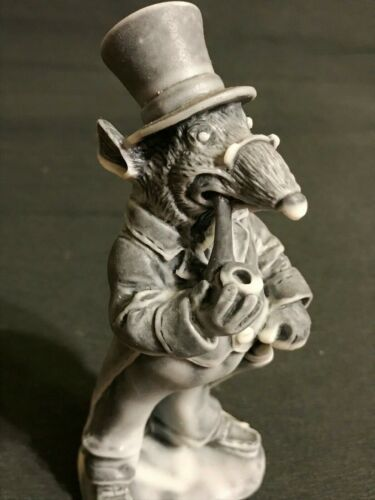 Rat Gentleman smoke a pipe figurine Gifts Souvenirs high quality
