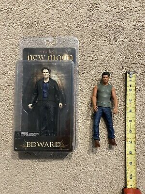 Twilight Saga New Moon Edward Cullen Vampire Action Figure Plus Jacob