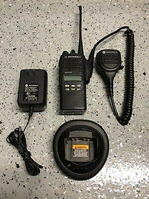 Motorola Ht1250 Uhf Portable Radio 403-470mhz Aah25rdf9aa5an W Accessories