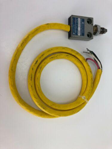 New! Telemecanique RB Denison Mini Switch MS08G01-02 Plunger/Roller Head