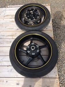 Yamaha r1 rims/wheels
