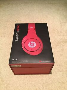 Studio beats by dr dre excellent condition *New Price*