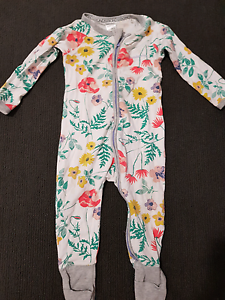Baby girl bonds zip up onesies North Lakes Pine Rivers Area Preview