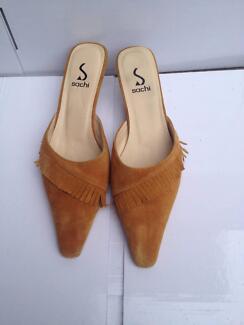 Woman Leather Slipper Sachi Brand Size 7 short-heels Guildford Parramatta Area Preview