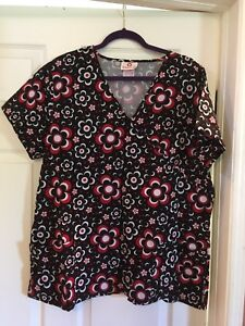 Lot of 2XL scrub tops 5$ each or 30$ for the lot