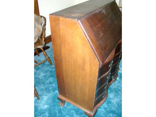 Maddox Colonial Reproductions - Vintage/ Antique - Secretary Desk