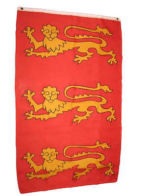 United Vertical Flag (3x5 King Richard England 3 Lions UK United Kingdom British Vertical Flag 3'x5' )