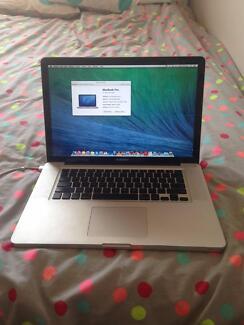 """15"""" Macbook Pro laptop mid 2010 excellent condition Fremantle Fremantle Area Preview"""