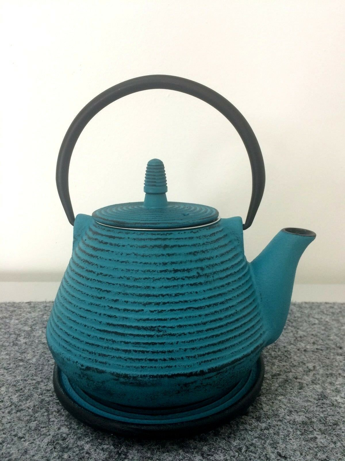 Set Teekanne Gusseisen hält lange warm kalt 1l Teesieb Untersetzer türkis Soße