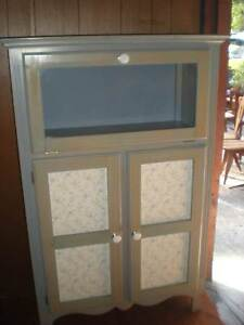 KITCHEN CABINET EUC Windsor Hawkesbury Area Preview