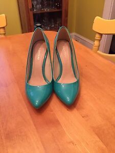 Brand new Le Château shoes! Need gone!