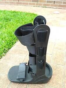 Moon boot for ankle injury *near new condition!* Pennant Hills Hornsby Area Preview