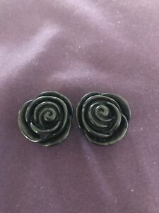 18mm rose ear plugs/stretchers