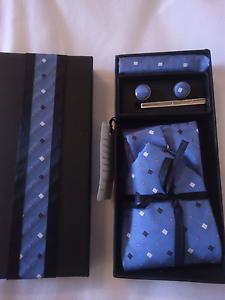 Tie, cufflink, pocket square set mens blue Kallaroo Joondalup Area Preview