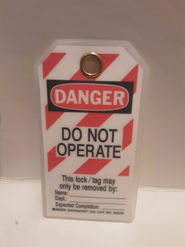 Pack of 25 Brady Laminated Danger Do Not Operate LOCKOUT/TAGOUT Tag Cat No.65520