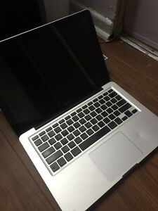 "2010 MacBook Pro ""core 2 duo"" 13"""