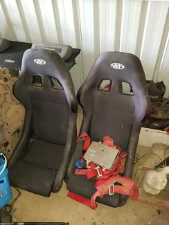 Racing SaaS bucket seats recaro
