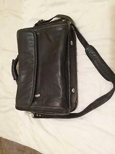 Leather lap top bag Wirrina Cove Yankalilla Area Preview