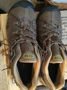 Keen dry sneakers size 13