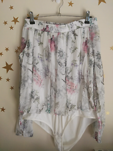 Forever new floral top $20 Large Narre Warren Casey Area Preview