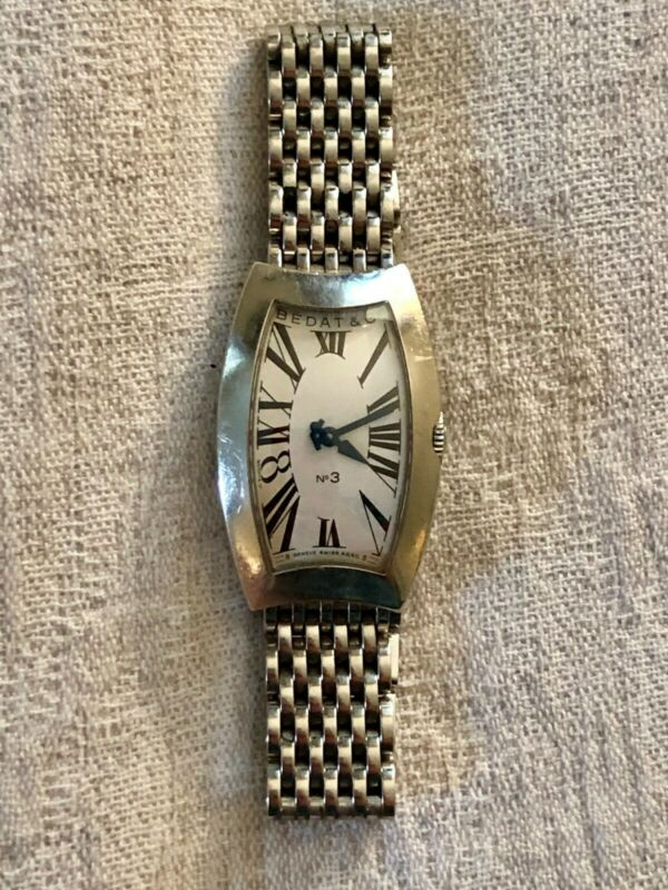 Bedat & Co No. 3 Quartz Stainless Ladies Wristwatch Ref 384.011.600 NEW BATTERY!