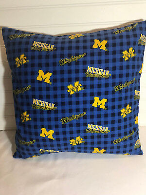 Michigan Wolverines Flannel Pillow Cover/16