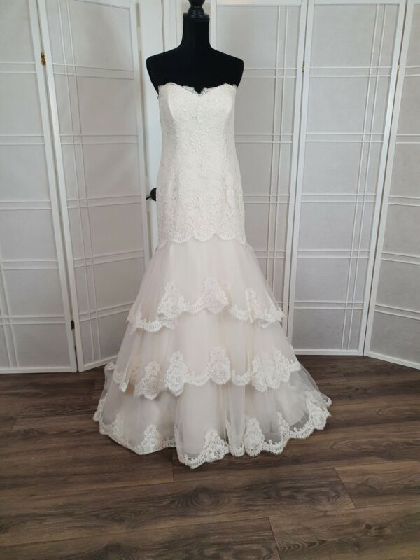 Paloma Blanca bride dress size 14 color natural lace