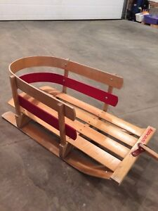 Wooden Toddler sled excellent condition !